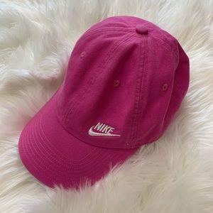 Nike   Heritage 86 Pink Adjustable Hat